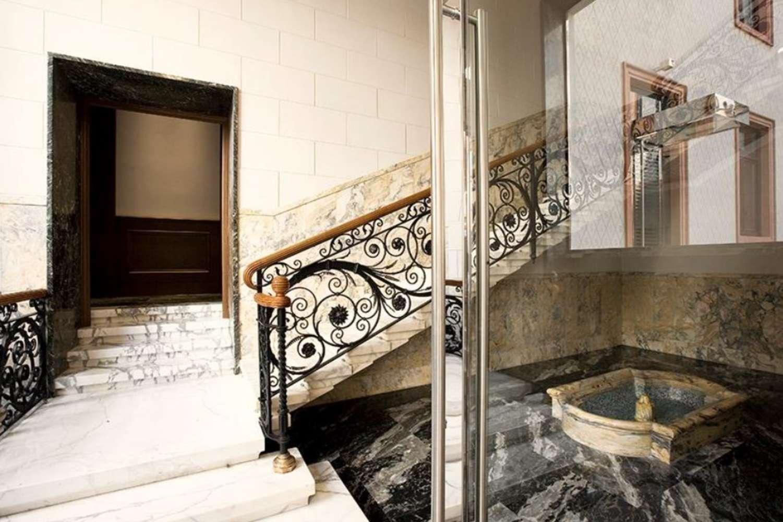 Ufficio Milano, 20123 - Petrarca 20 - 9871272