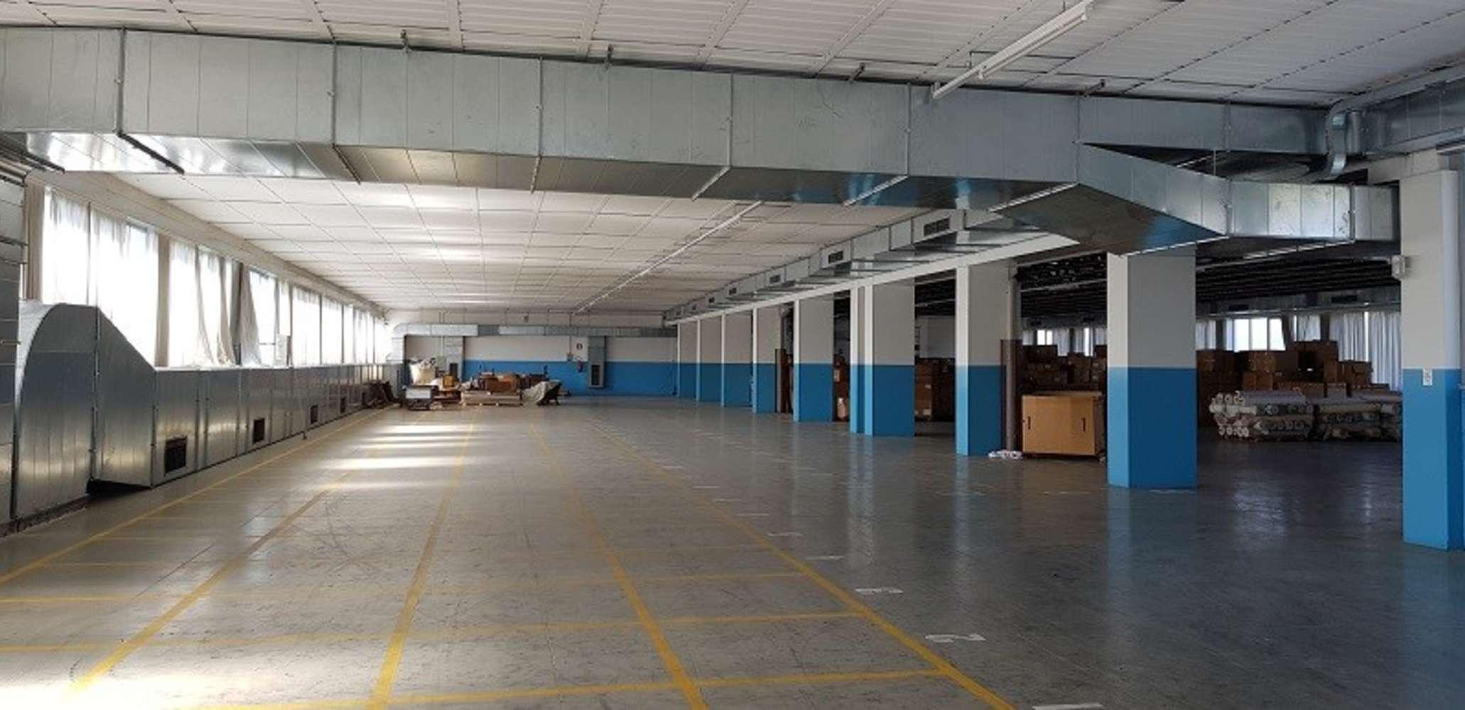 Magazzini industriali e logistici Capiago intimiano, 22070 - Capiago Intimiano - 9922495