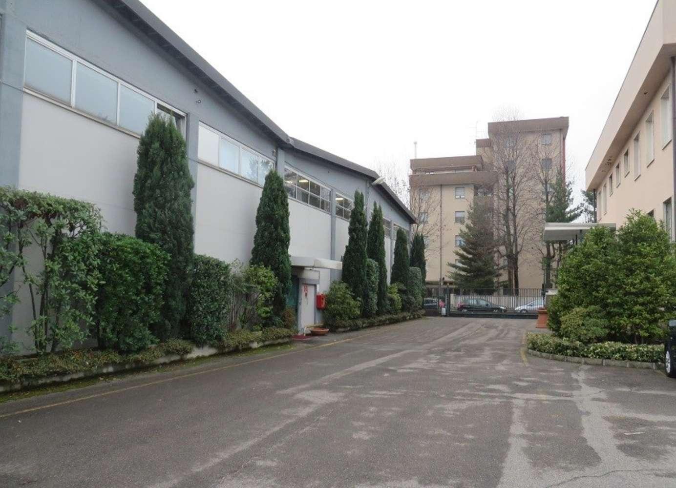 Magazzini industriali e logistici Caronno pertusella, 21042 - Caronno Pertusella - 10008334