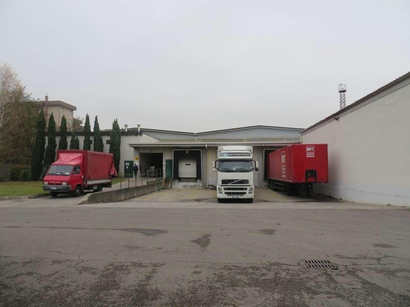 Magazzini industriali e logistici Caronno pertusella, 21042 - Caronno Pertusella - 10008337