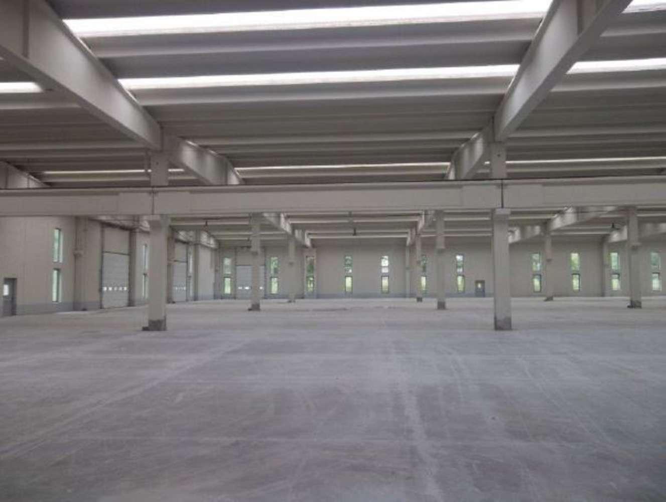 Magazzini industriali e logistici Issogne, 11020 - Capannoni logistici e uffici Aosta - 10033600