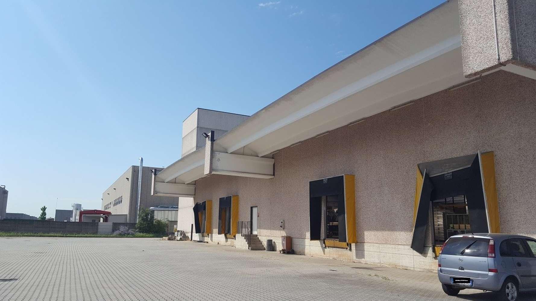 Magazzini industriali e logistici Sacconago, 21052 - Busto Arsizio - 10077091