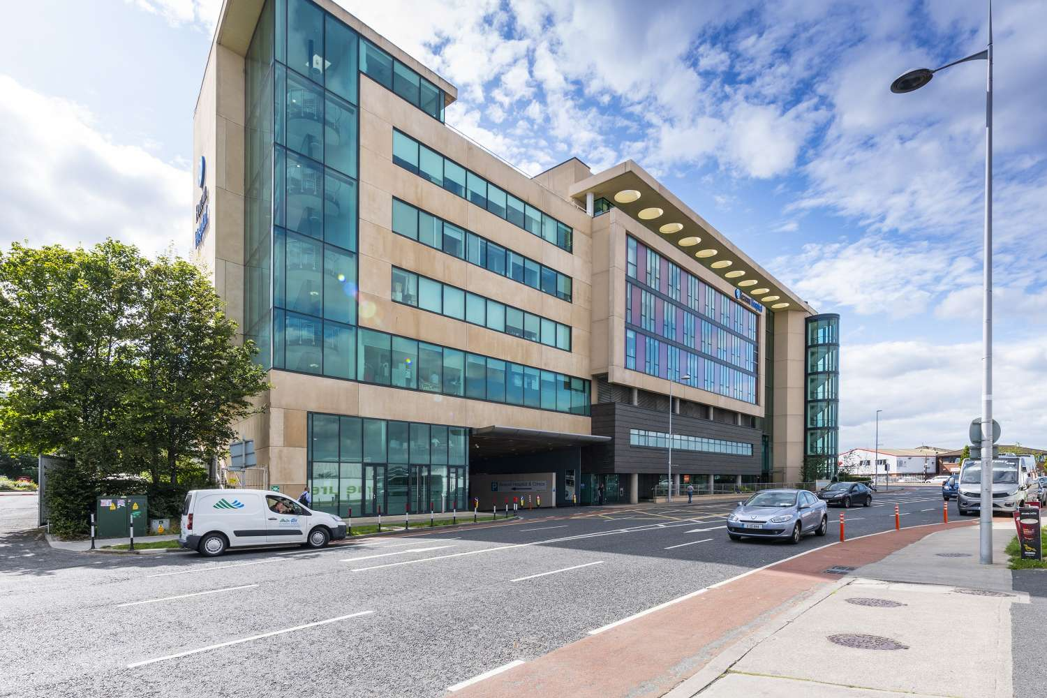 Investments Dublin 18,  - Suites 3 & 4, The Mall, Beacon Court, - 10611511