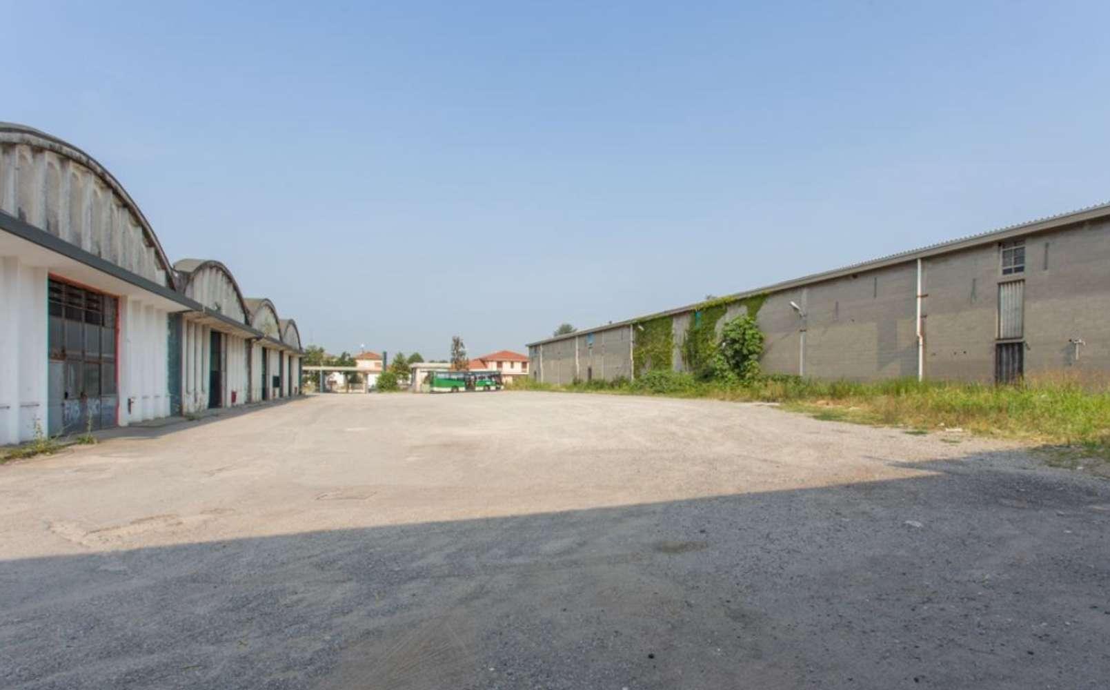 Magazzini industriali e logistici Caronno pertusella, 21042 - Caronno Via Trieste - 10810241