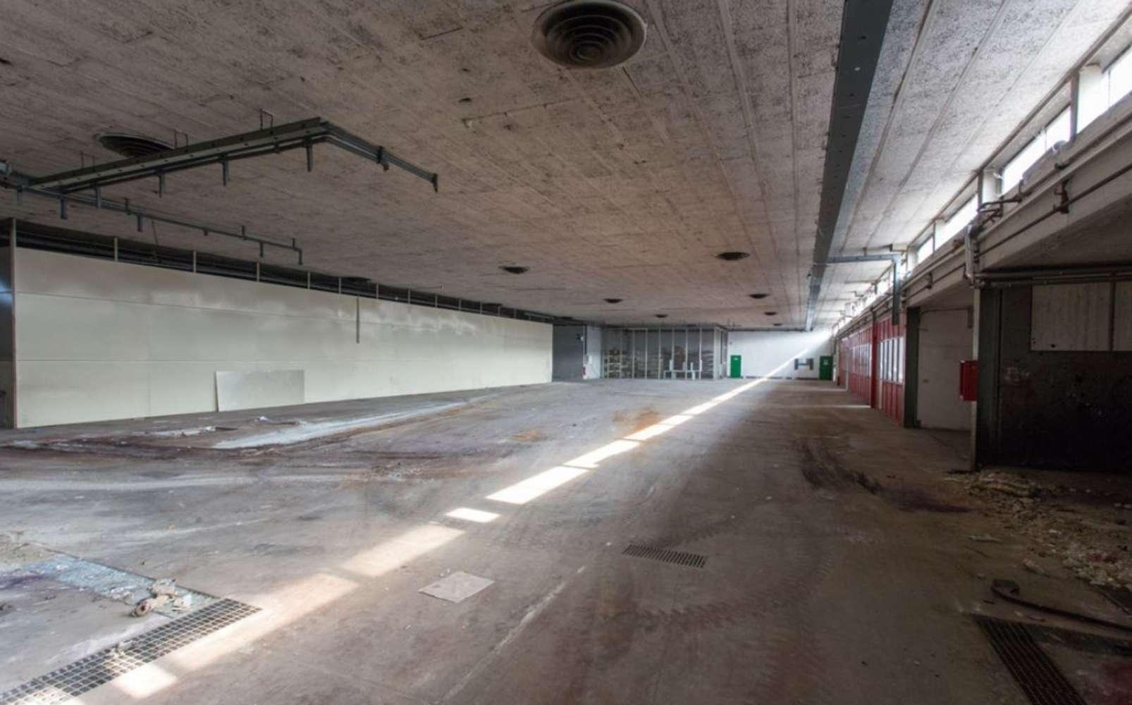 Magazzini industriali e logistici Caronno pertusella, 21042 - Caronno Via Trieste - 10810243