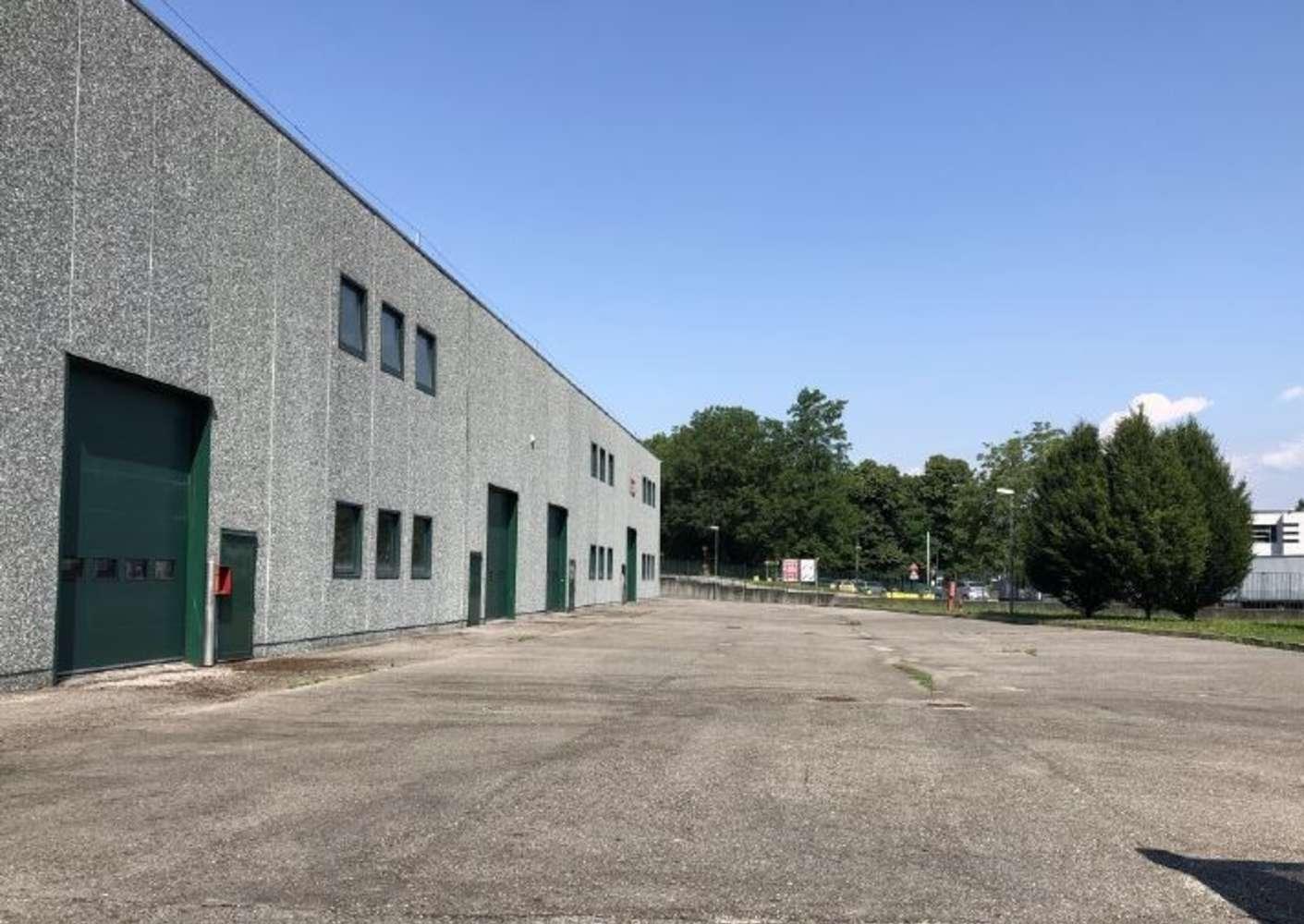 Magazzini industriali e logistici Buguggiate, 21020 - Buguggiate - 10810291
