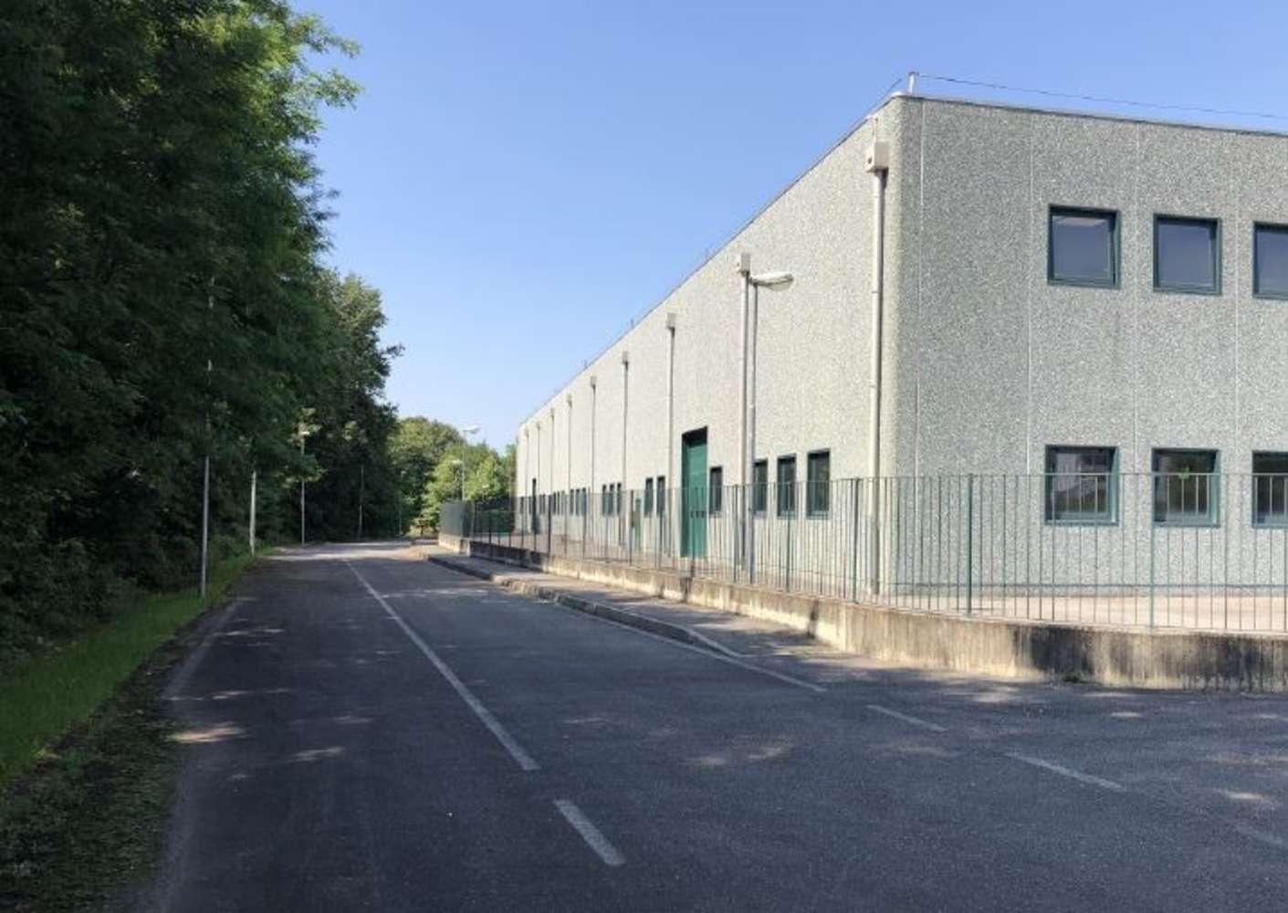 Magazzini industriali e logistici Buguggiate, 21020 - Buguggiate - 10810292