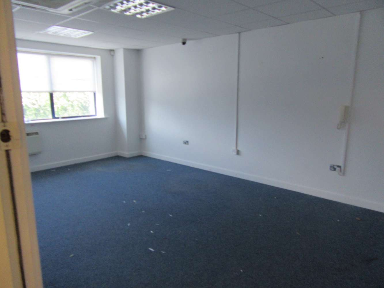 Industrial Dublin 11, D11 R592 - Unit 11 Finglas Business Centre - 10907039
