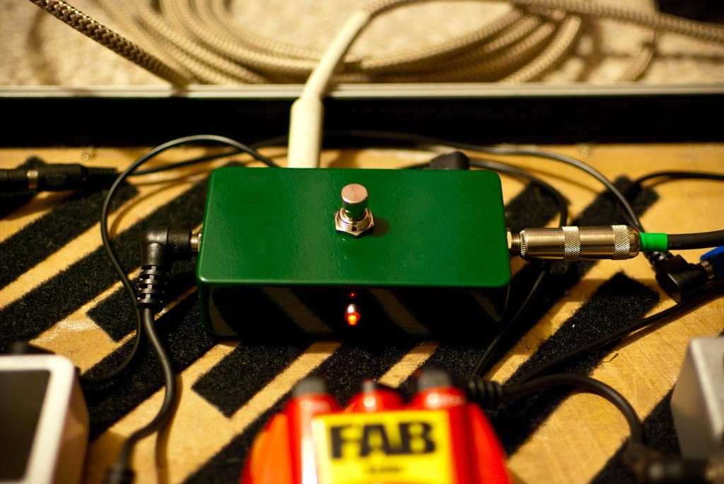 A/B tuner mute switch