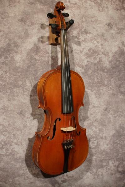 Caspar de Salo Violin, w/case (5)
