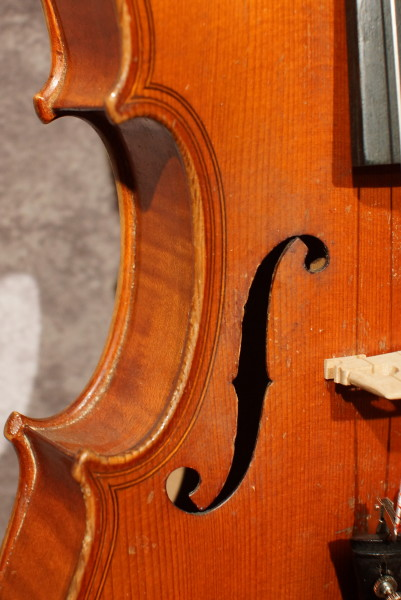 Caspar de Salo Violin, w/case (2)