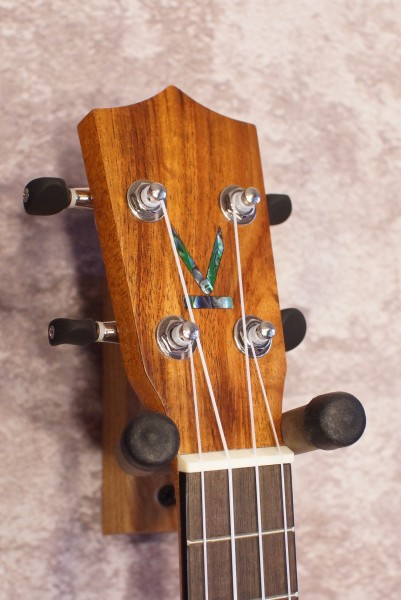 Kumu Soprano Long Neck Ukulele SQ34 (5)