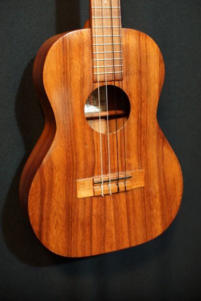 1969 Kamaka Koa Baritone Ukulele (3)
