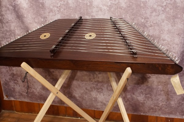 Masterworks Pioneer Hammered Dulcimer Package (Sapele Option) (3)