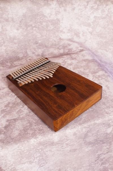 17 Key Thumb Piano (1)