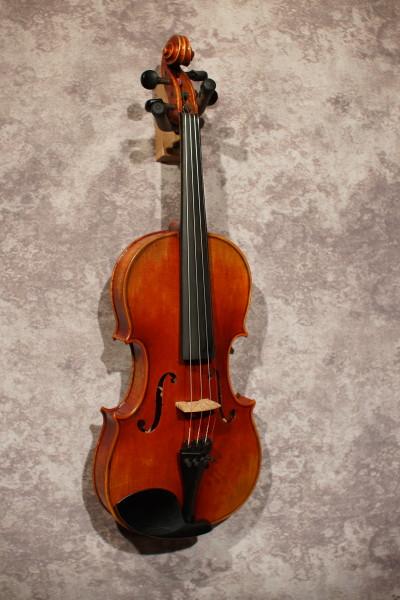 Guadagnini Model Violin, w case (1)