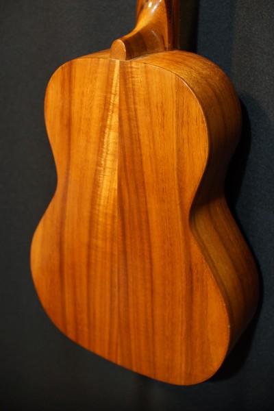 1969 Kamaka Koa Baritone Ukulele (2)