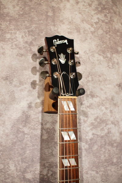 2011 Gibson Hummingbird (2)