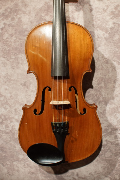 Japanese Stradivarius Violin (1)