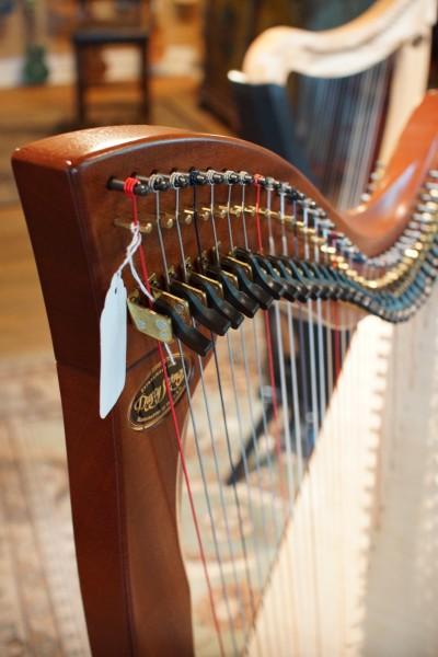 Dusty Strings Crescendo Full Lever Harp (4)