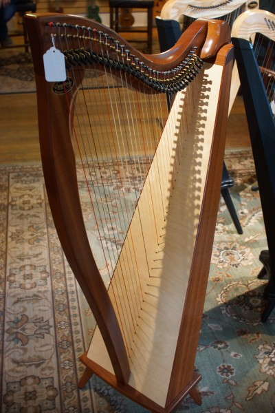 Dusty Strings Crescendo Full Lever Harp (1)