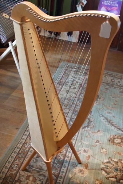 Used Camac Bardic 27 Lever Harp (2)