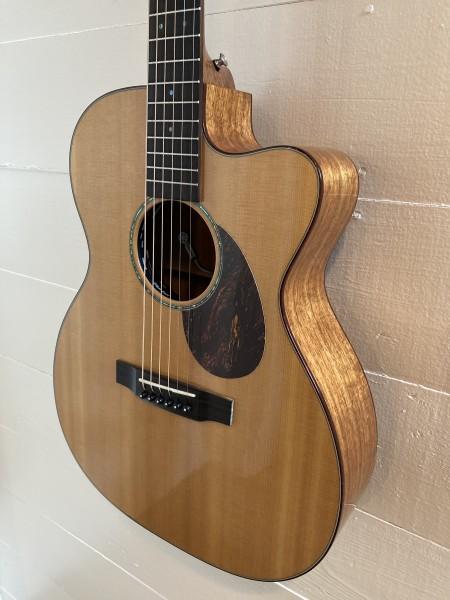 2005 Martin OMC-16E Koa (1)