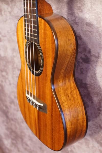 Kumu Feather Concert Ukulele CF52 (6)
