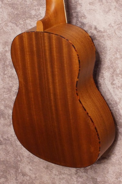 Amahi UK220B Baritone Uke (2)