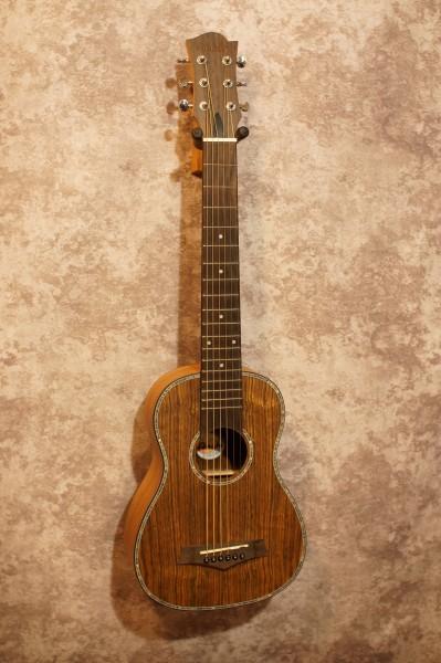 Anahi UK220G Travel Guitar (3)