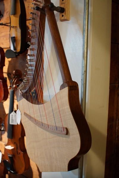 Roosebeck Lute Harp (3)