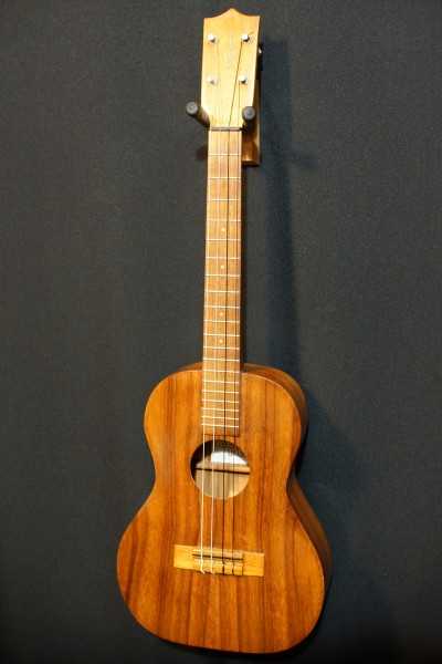 1969 Kamaka Koa Baritone Ukulele (8)