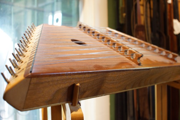 1993 Russell Cooke 12/11 Hammered Dulcimer (5)