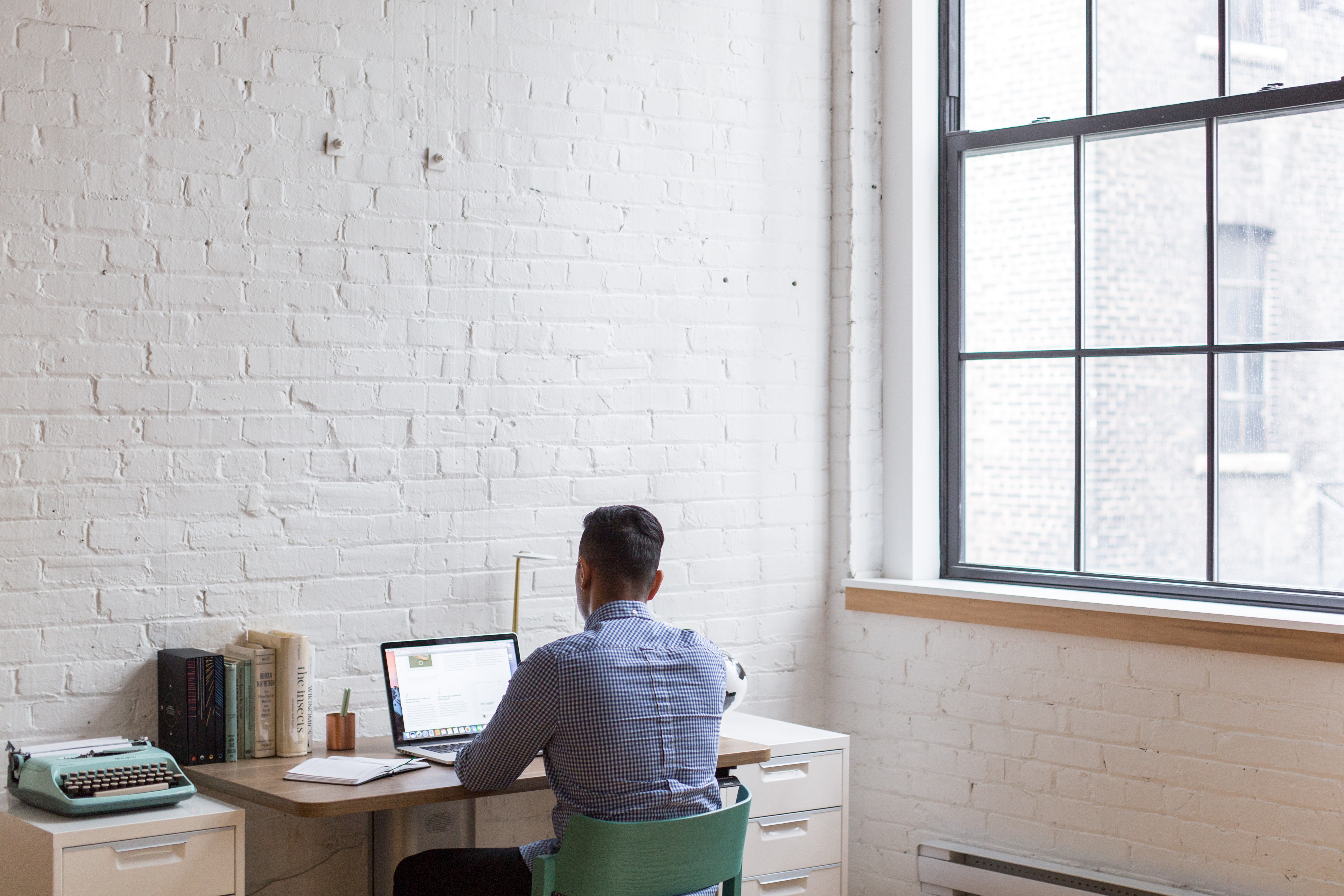 How to Shift From an Office-Based Job to Working Remotely