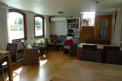 B&B in Bruges, Barge Johanna Living area
