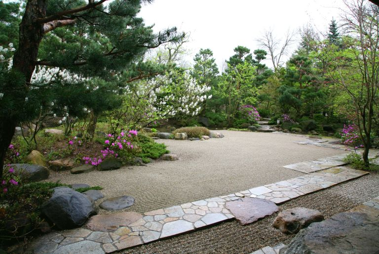 rock garden at Anderson Gardens