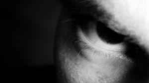 miehen silmä