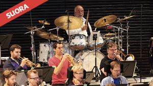 Rumpali Peter Erskine Helsingin kaupunginorkesterin harjoituksissa 17.9.2014.