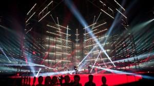 Softengine övar på Eurovisionsscenen.