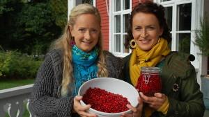 Alexandra och Anne med vattlingon.