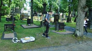 katakomber undersöks i ortodoxa församlingens begravningsplats.