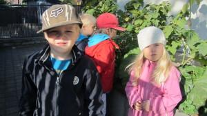 Jowan, Melvin, Miro och Venla vid Rasebo daghem i Ekenäs.