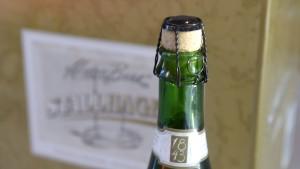 En flaska med historiskt Stallhagen öl