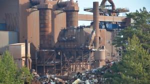 Mycket skrot på gamla stålindustriområdet i Koverhar.