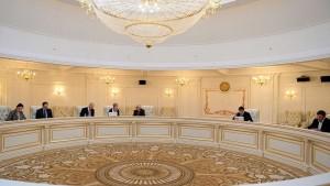 Förhandlingar förs om vapenvila i Ukraina