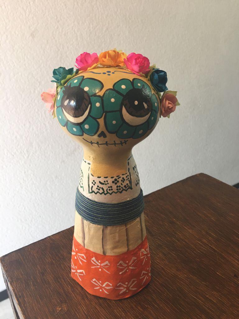 Catrina Elisa e vestido tipico de Puebla