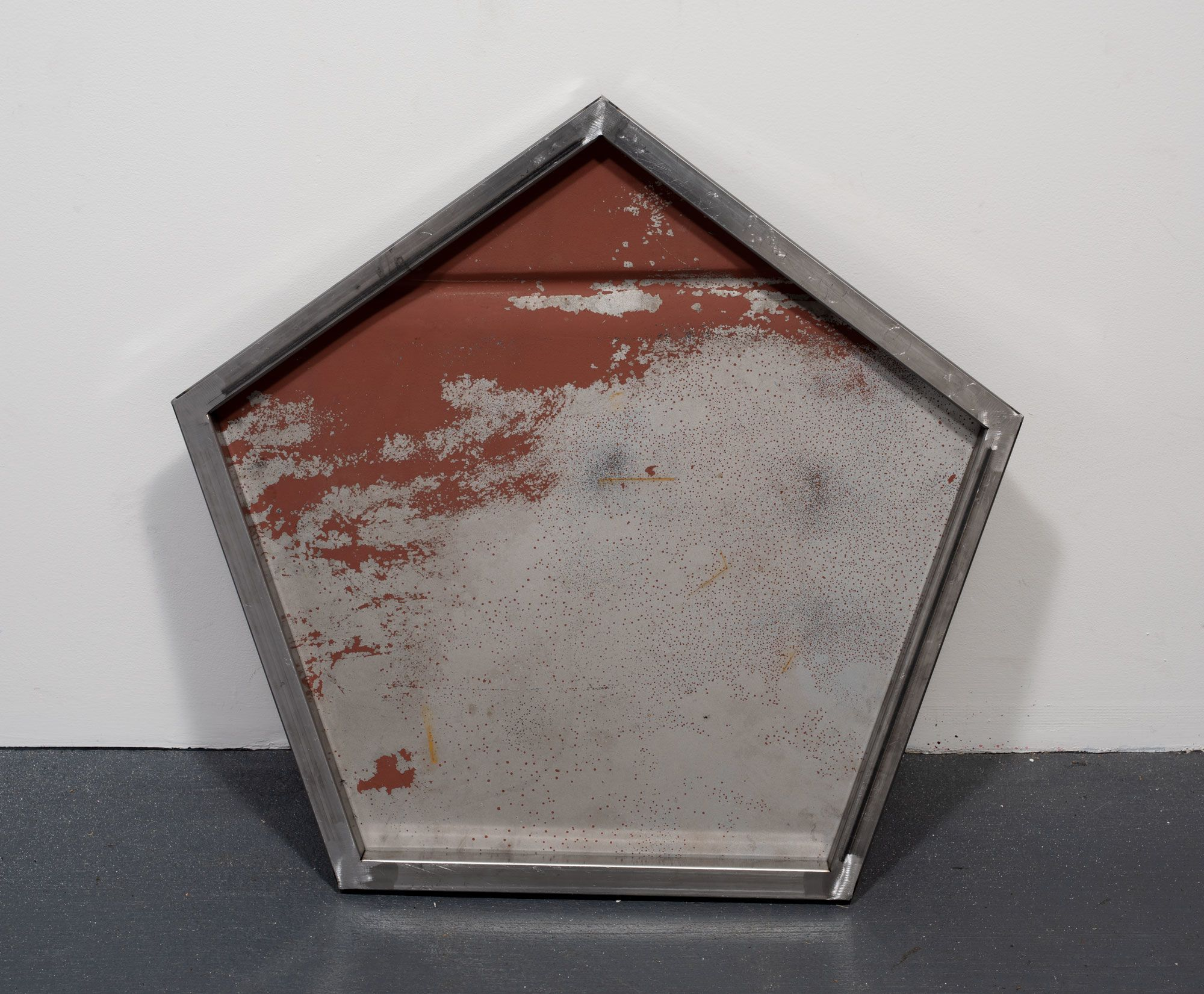 Five Point Hood Shield (black), detail