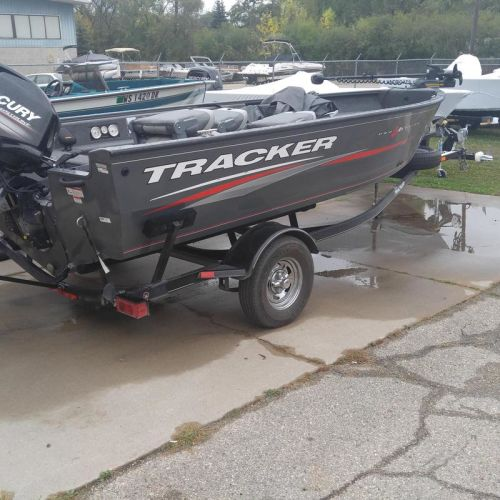 2016 Tracker Pro Guide 16 with 60 Merc