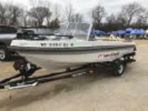 Yarcraft Boat with 2014 Suzuki 90 4-stroke