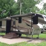 2015 Cougar 313RLI High Country fifth wheel